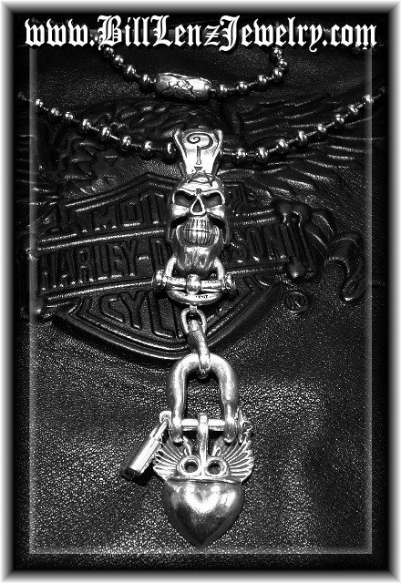 Anarchy Skull Shackle Lock Heart